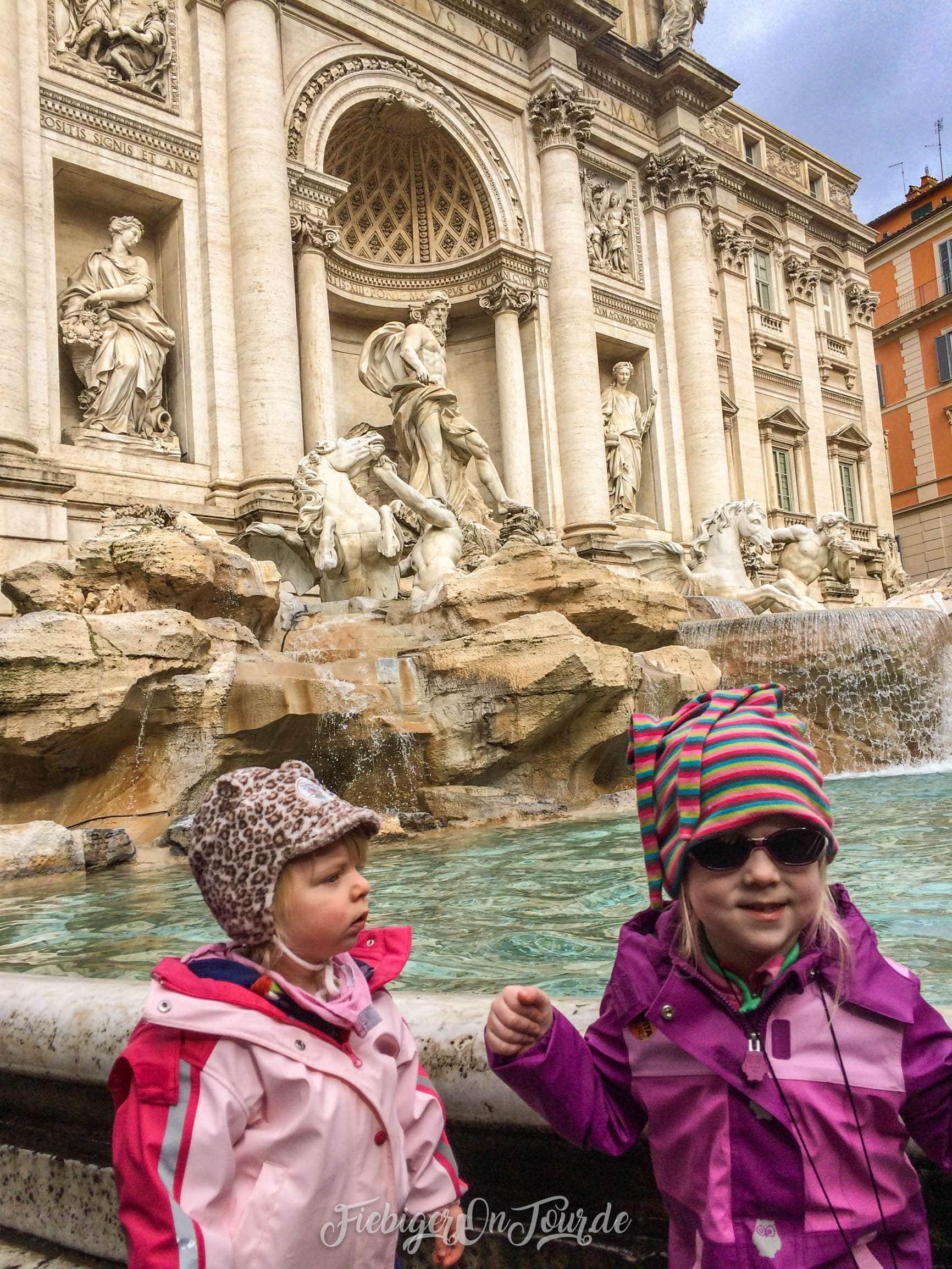 Rom - Trevi Brunnen