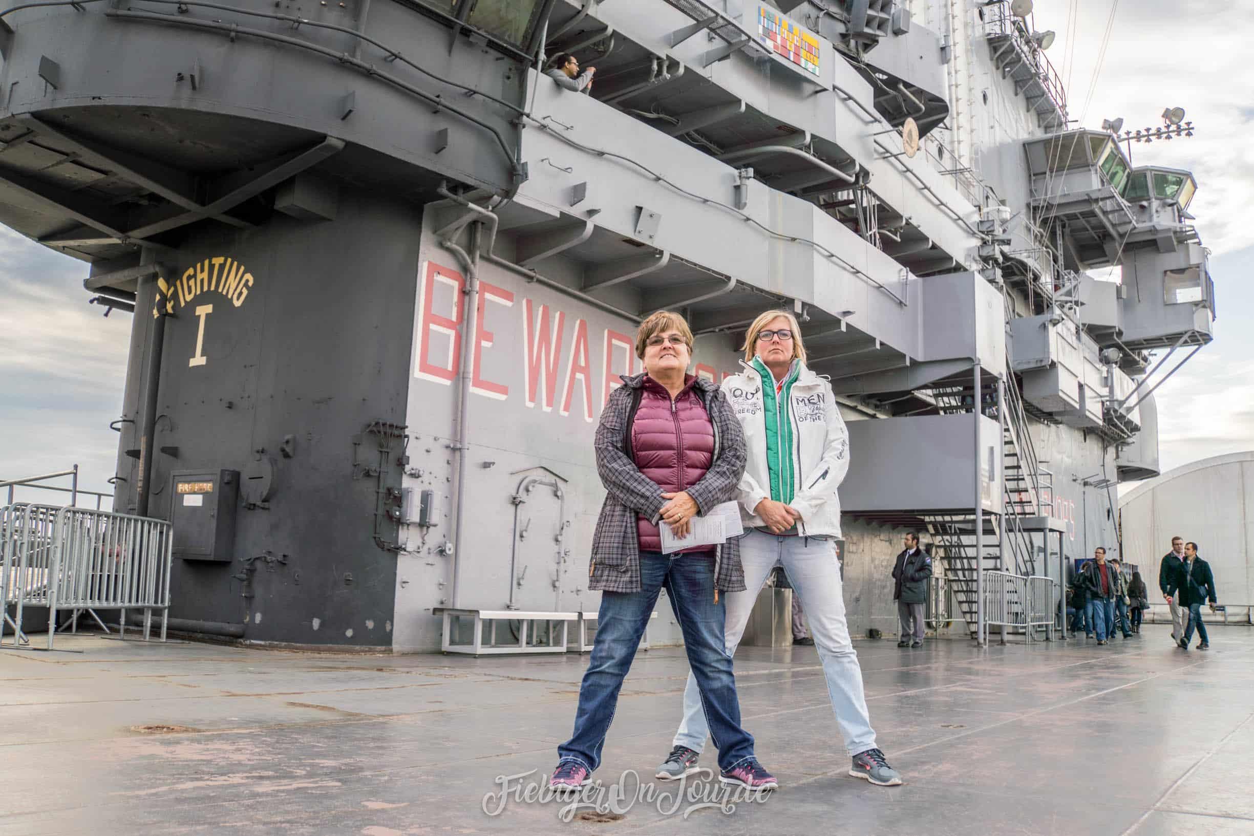 Marines(frauen) auf der USS Intrepid